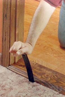 Как установить деревянный порог